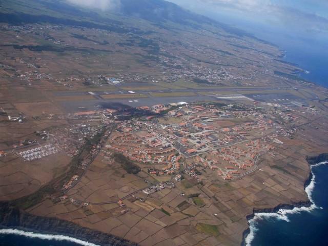 Aeroporto das Lajes taken by José Luís Ávila Silveira/Pedro Noronha e Costa.