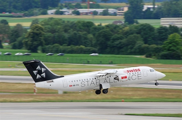 Swiss Avro RJ 100 HB-IYU departing Zurich by Aero Icarus on Flickr