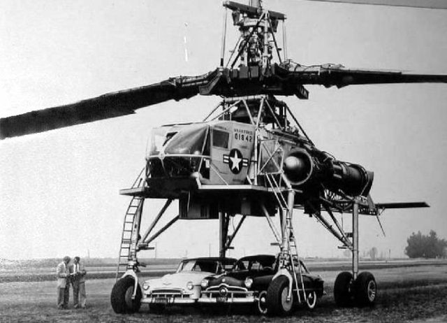 The XH-17 with two cars parked under it (Source: US Air Force)