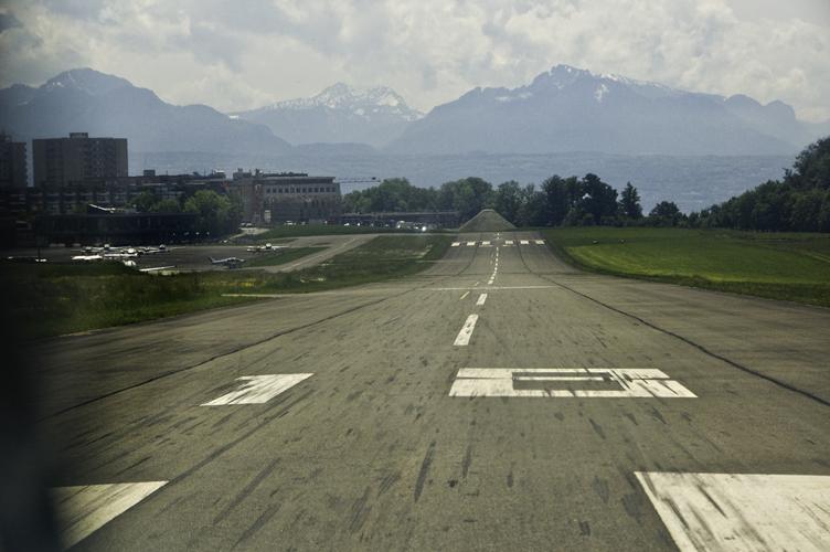 Runway 18