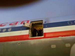 Fear of Landing – Boeing 777 Rolls Back, Loses Door